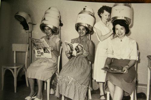 Pinterest discover and save creative ideas - Vintage salon images ...