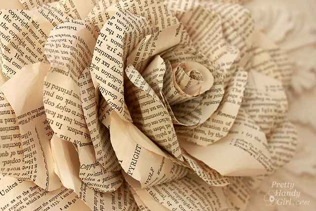 Book Pages to Paper Posies (1/3)