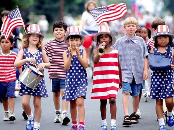 4th-of-July-Children-at-a-Parade