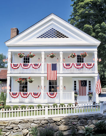 4th of july Exterior-Federal-home-HTOURS0705-de