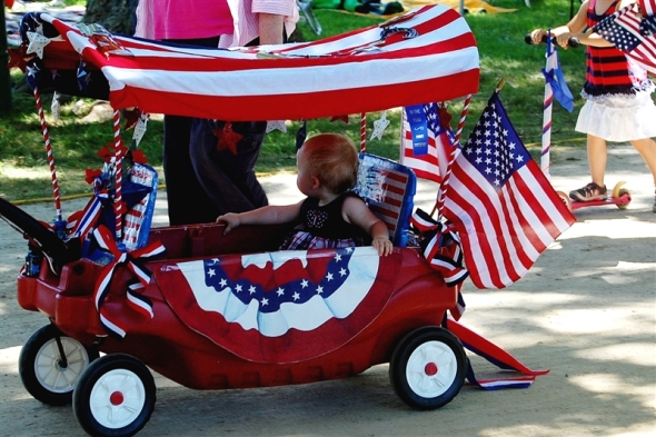 4th of july patriotic parade wagon