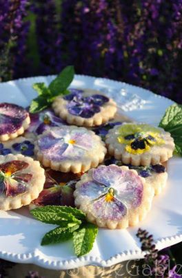 shortbread pansie cookies