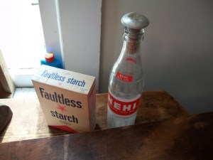 Sprinkler bottle for ironing and starch