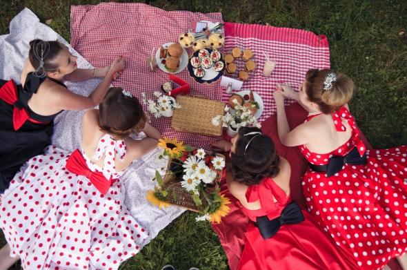 vintage summer picnic