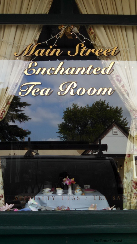 IMG_20150728_094913_918 enhanted tearoom autogr