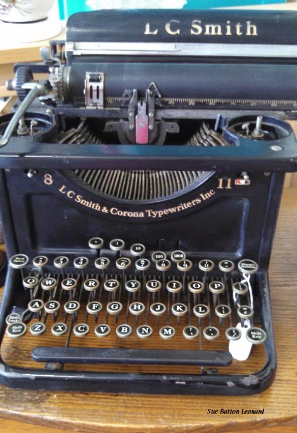 IMG_20150728_095842_941 typewriter autogr