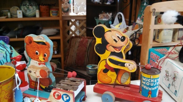 IMG_20150728_095935_388 antique toys autog
