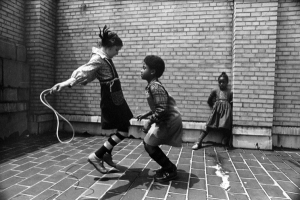 kids-jumping-rope